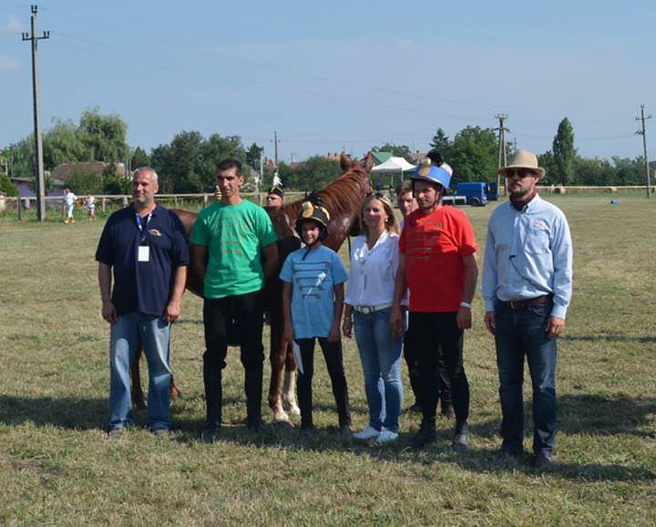 Szentlőrinci Vágta: Profi mezőgazdászok szurkoltak a legjobb lovasoknak