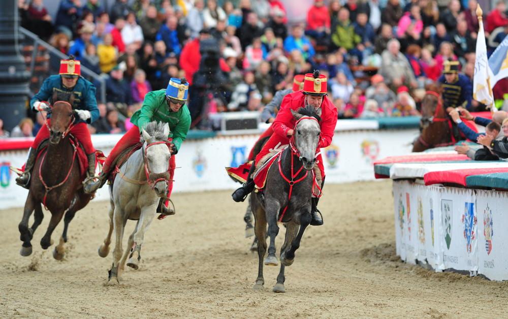 Csemő lovasa nyerte a jubileumi Nemzeti Vágtát