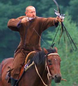 Új lovasíjász Guiness-rekord született
